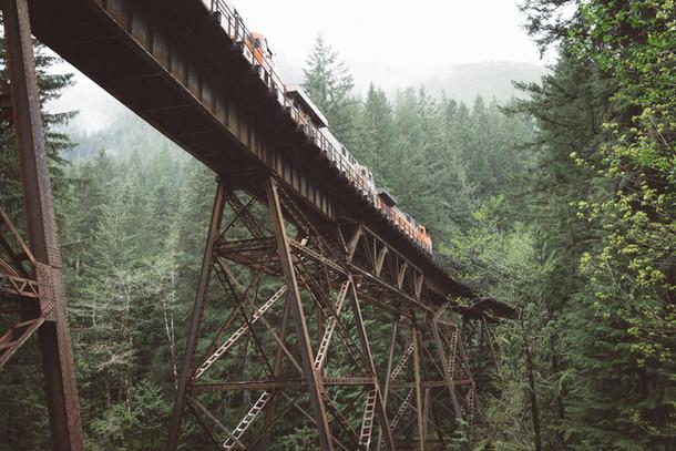 Zug-Überfahrt-Brücke