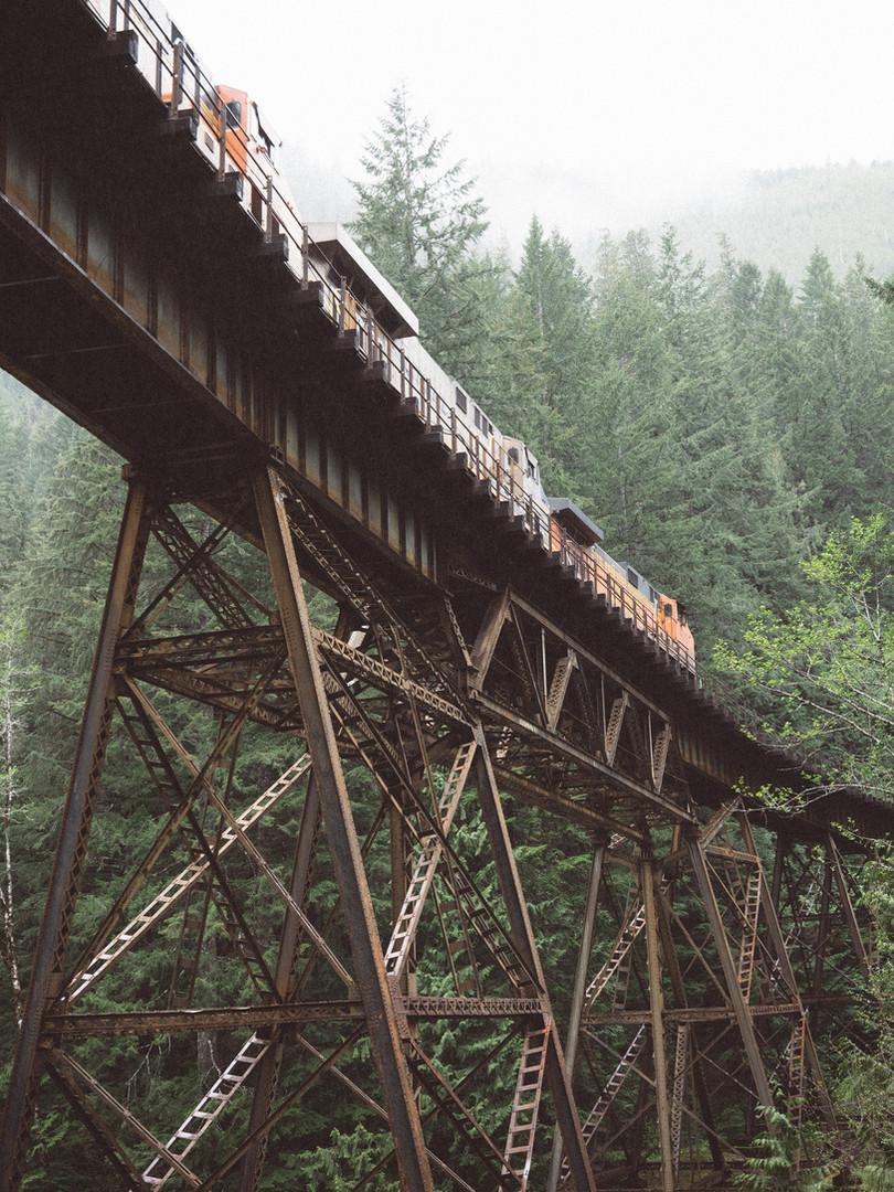 Pont Train traversant