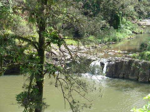Hanging Rock Falls are located 10 min from Jerrapark