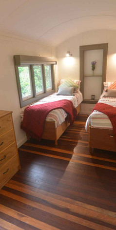 Jerrapark-Bedroom-Red6.jpg