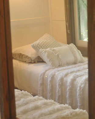 Jerrapark train carriages accommodation bedroom