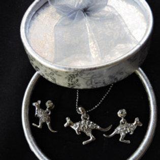 Kangaroo Jewellery Silvery Set in a gift box