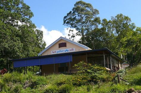 10 min from Jerrapark is Blue Knob Cafe and Gallery.
