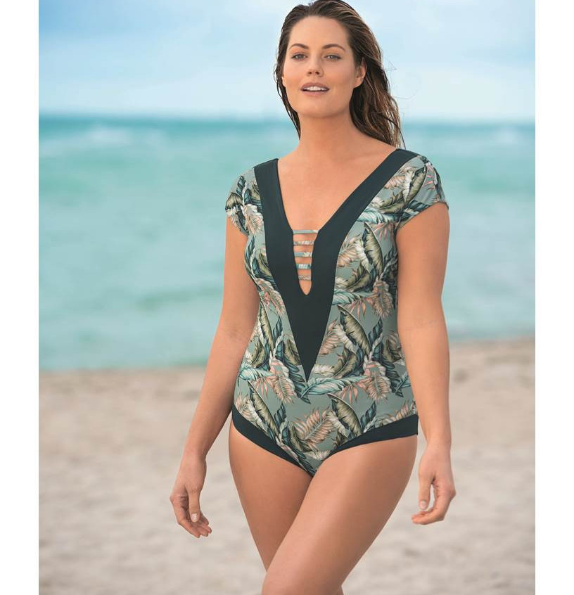 Leonisa swimwear plus size summer 2019 August issue A-list Nation Magazine  Floral one piece bathing suit