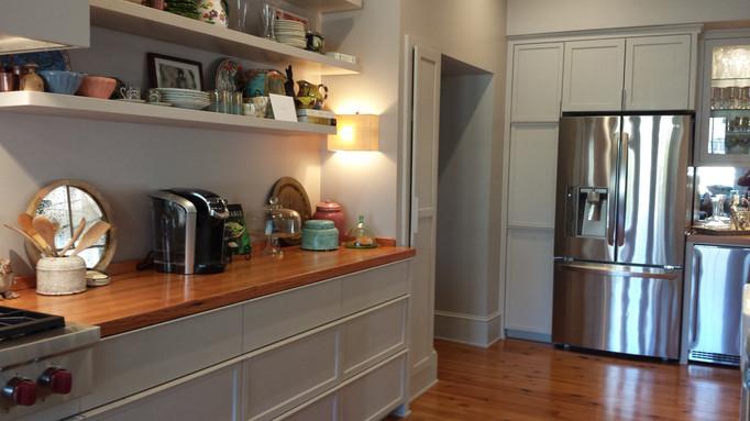 Kitchen Left.jpg