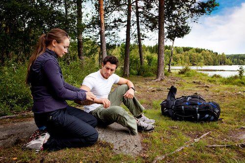 wilderness-first-aid-compressor.jpg