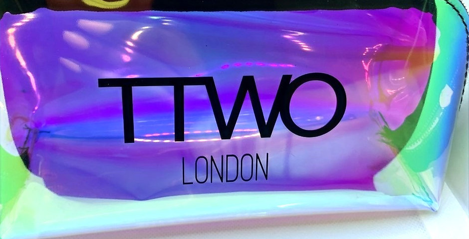 TTwo Glam Cosmetic make up bag, travel essentials