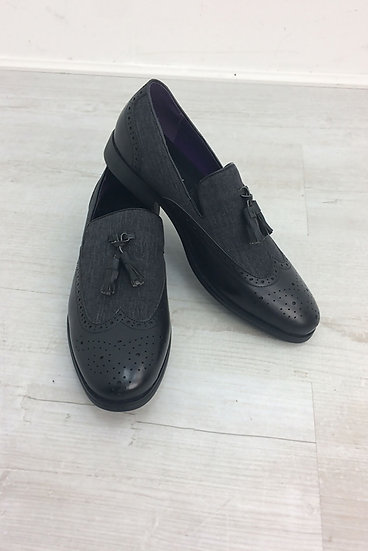 MEN'S BLACK CLASSIC SLIP ON SHOES