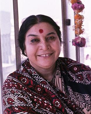 Photographs of Shri Mataji Nirmala Devi presented by year