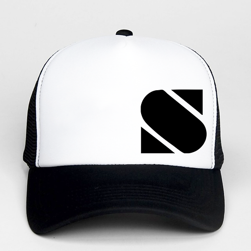 Black & White Trucker hat - 400 points