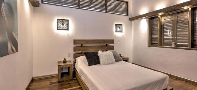 Nirvana room 1