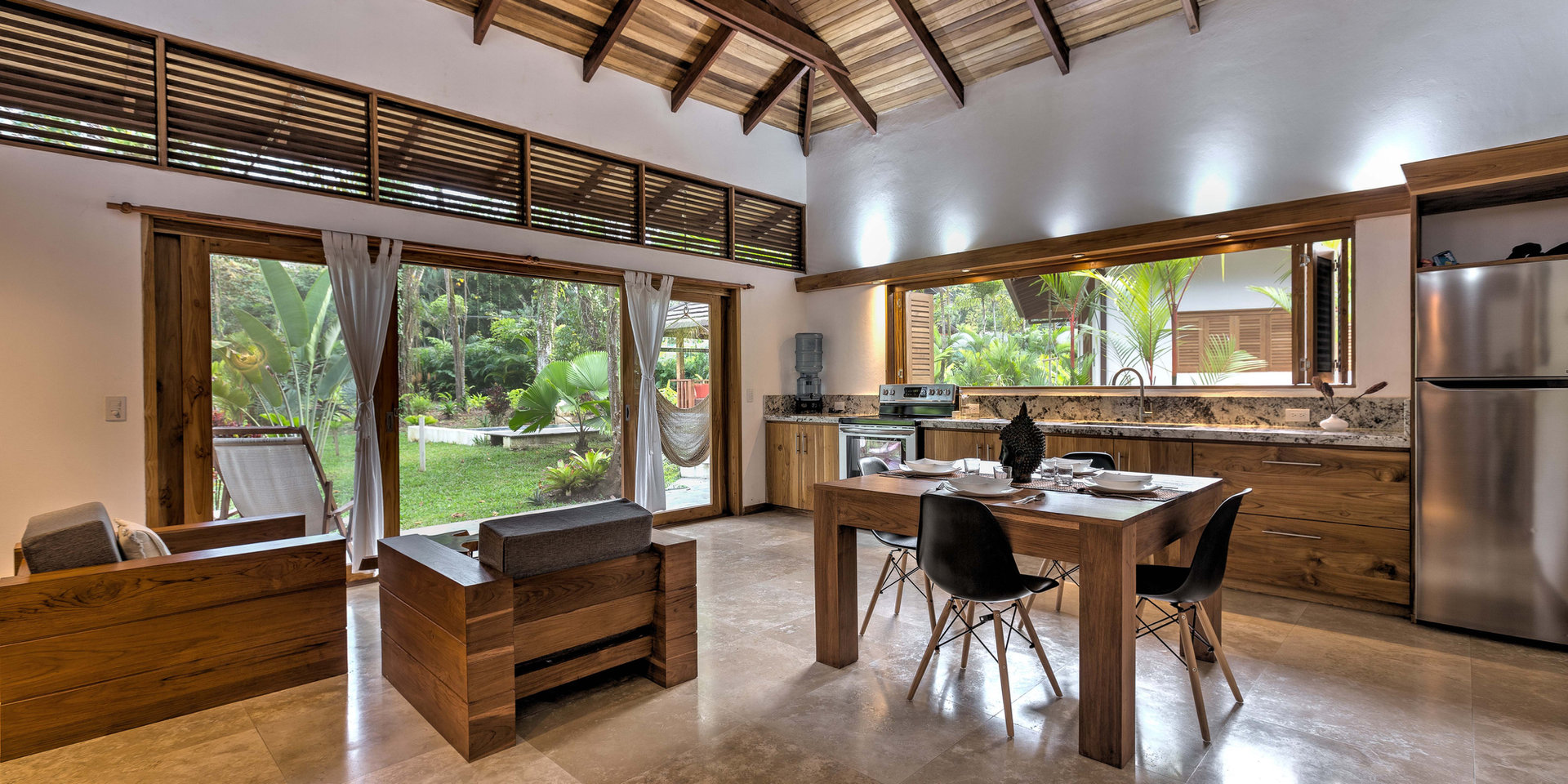 Nirvana livingroom