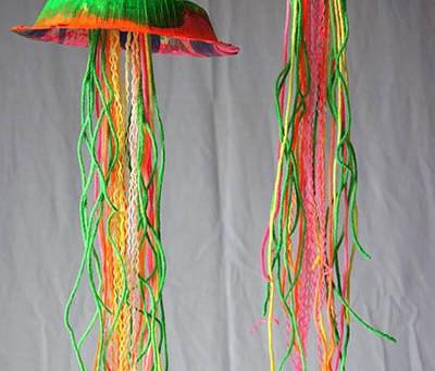 DIY Glow in the Dark Jellyfish