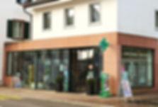 Schaufenster Storchen Apotheke & Drogerie