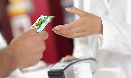 Neubad Apotheke & Drogerie, Kundenkarte überreichen