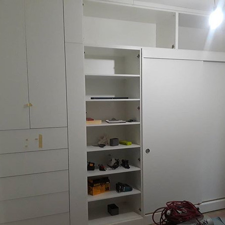 Bedroom closet build ba Amaco manhatan n