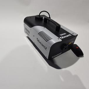 $30 1000 WATT Smoke machine with fluid.