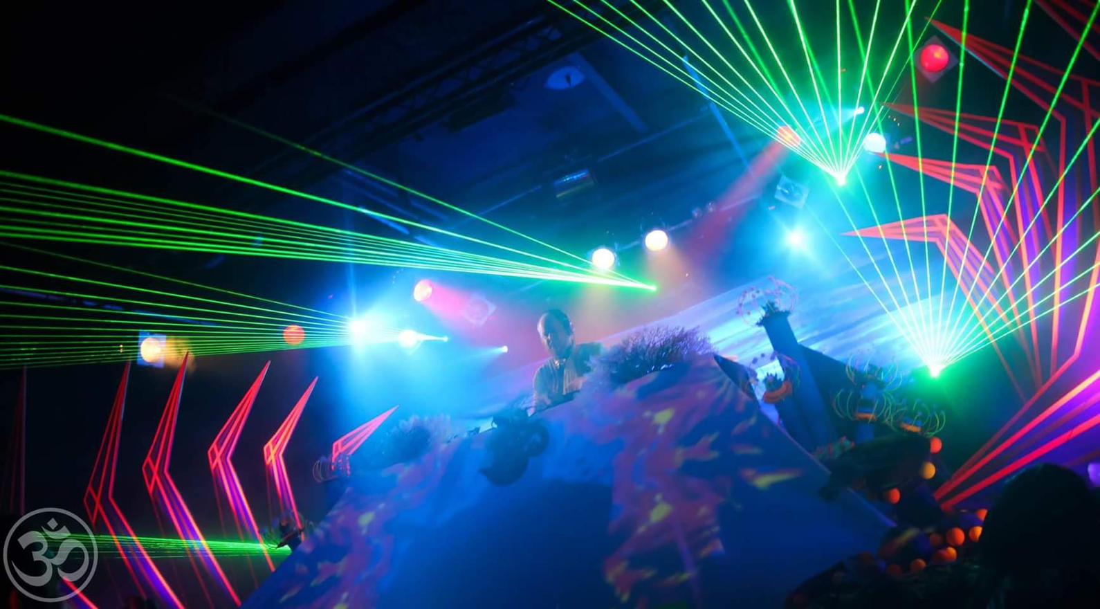 FROM $800 BIG VENUE LASER SHOW