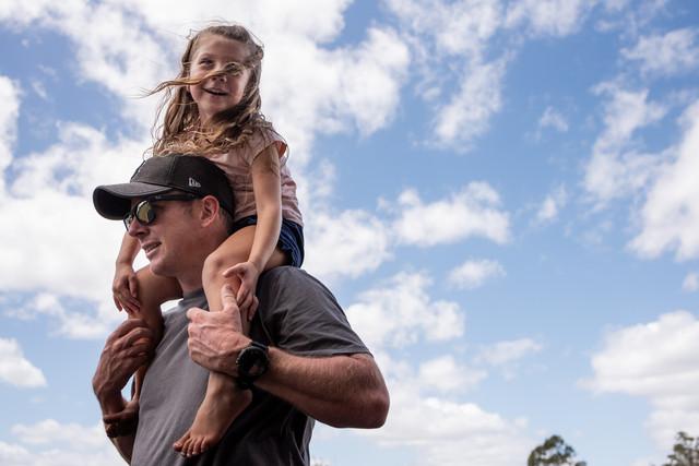 gir on dad's shoulders
