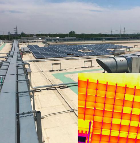 immagine termica impianto fotovoltaico su tetto copertura centro commerciale capannone