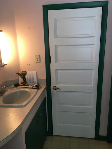 Vintage Bathroom - Before