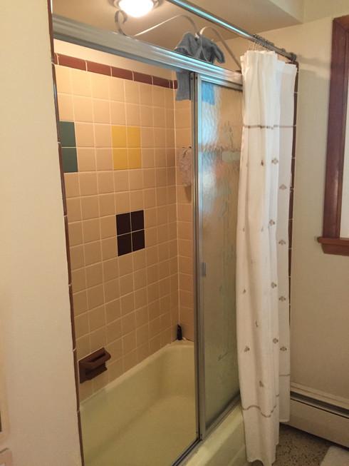 Modern Bath - Before