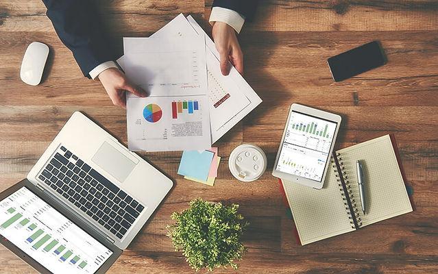 Financial-KPIs.jpg
