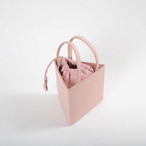 Medium triangle bag light pink