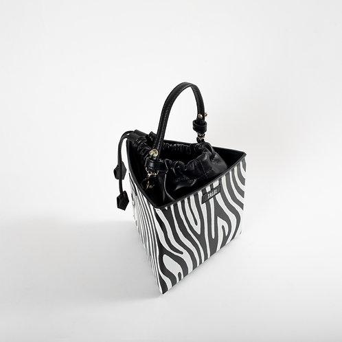 Medium triangle bag zebra