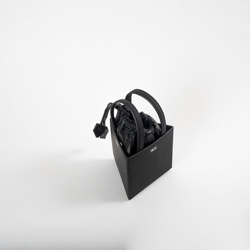 Small triangle bag black