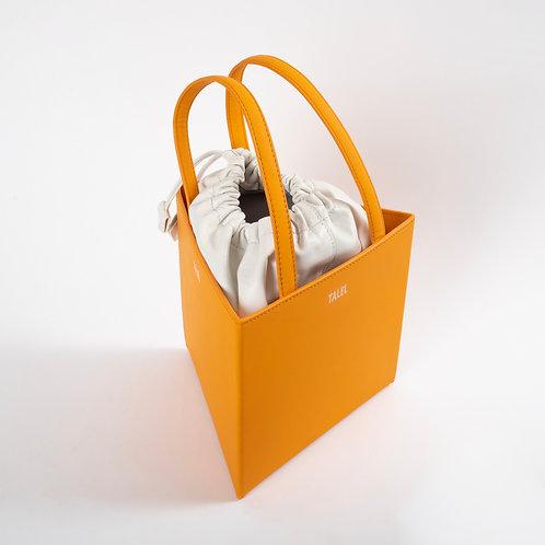 Large triangle bag orange
