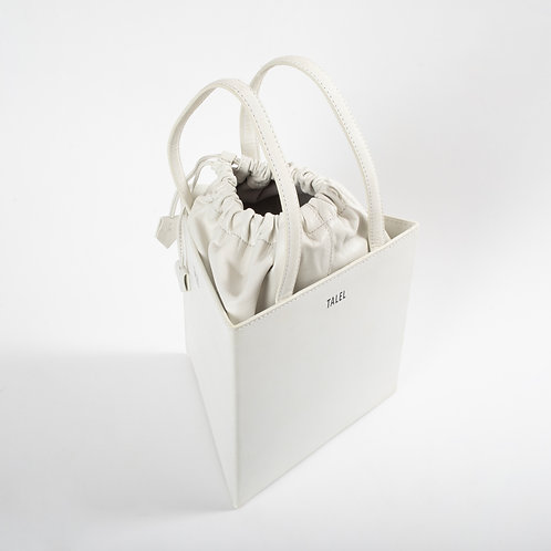 Large triangle bag off white
