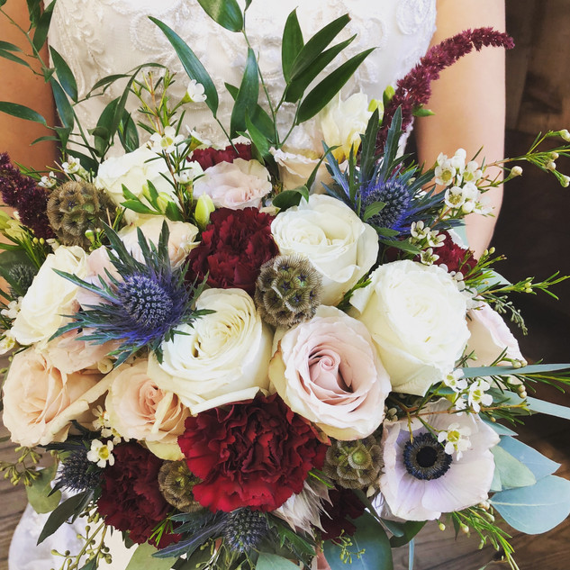 15- Rose and thistle bouquet .jpg