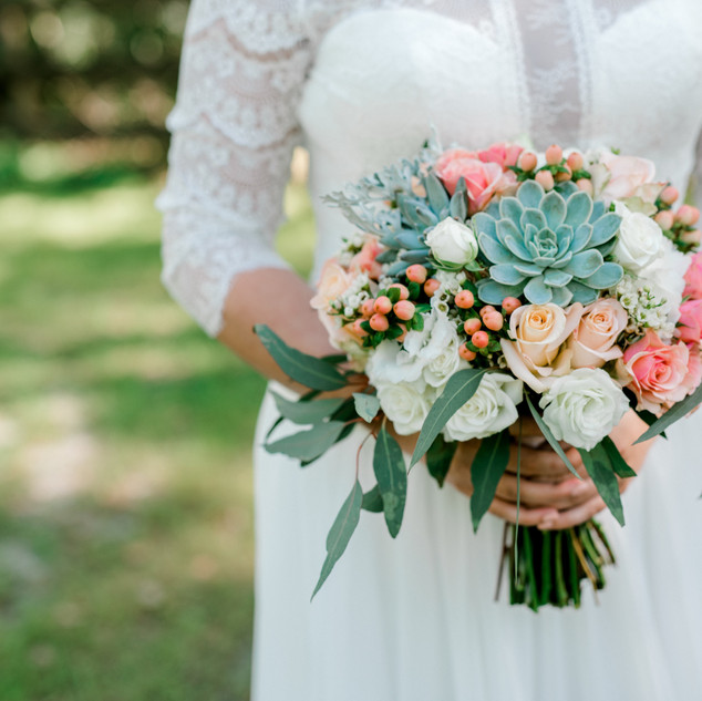 15- Succulent and blush bouquet .jpg