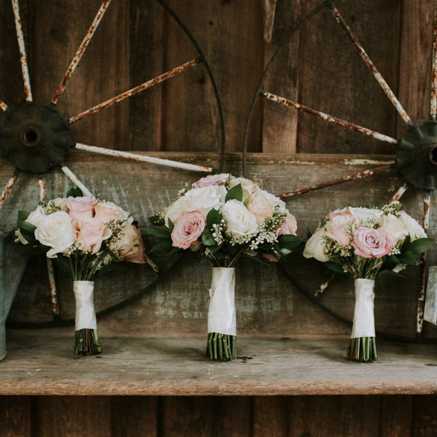 14- Blush and ivory bouquet .jpg