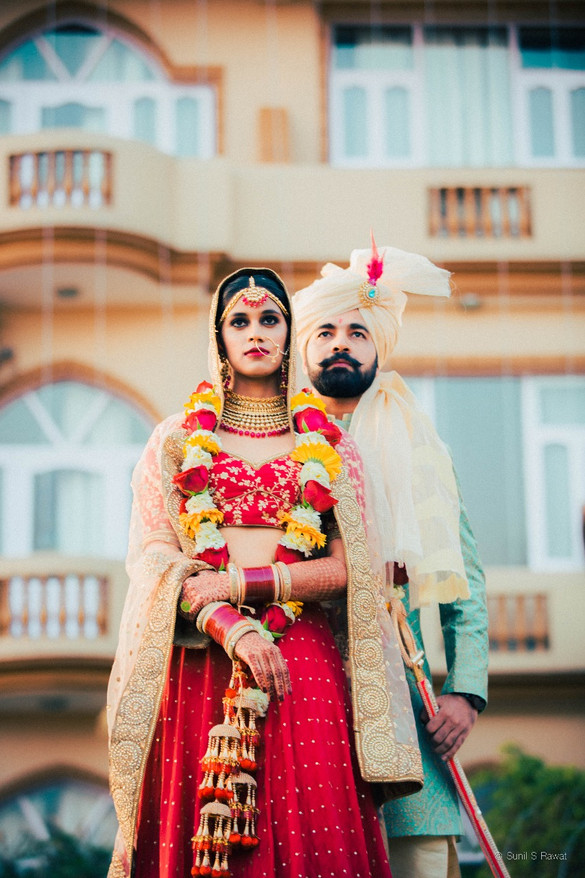 The lovely Couple was captured by Sunil Rawat photography in Dehradhun.