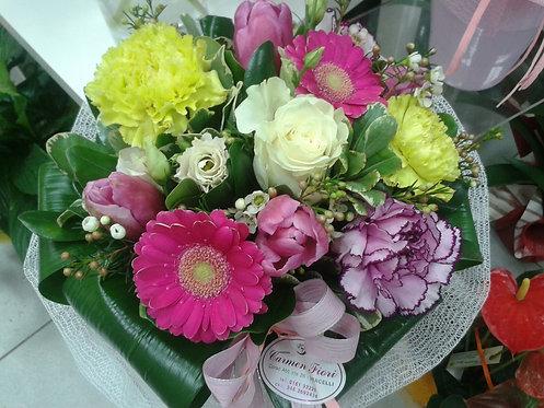 Bouquet misto di minigerbera, garofano, tulipani e rose