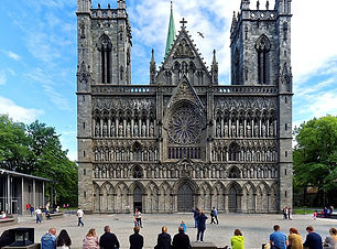 800px-Die_Nidaros_Kathedrale_in_Trondhei