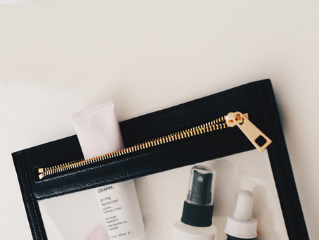 7 forgotten items in a Wedding Day Survival Kit