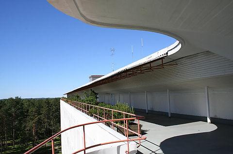 1200px-Terrace_of_Paimio_sanatorium_by_A