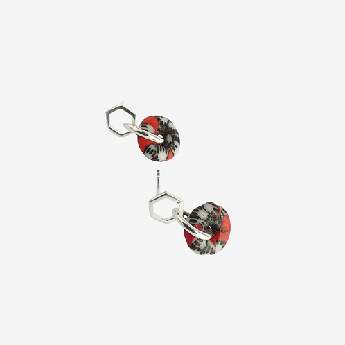 mmi3nsa sterling silver hexagon stud earrings with small red glass beads
