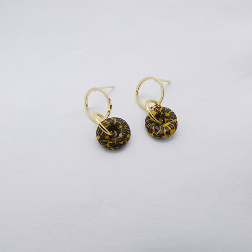 ahwenneɛ 20 gold plated stud earrings