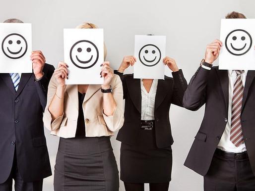 Les 5 astuces pour garder le sourire des vacances au boulot