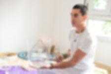 Felipe Sucupira, Terapeuta Sonoro tocam Tigela de Cristal de Quartzo