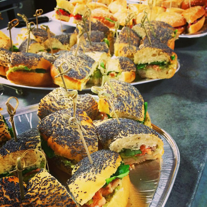 cokctail buffet dinaoite L'Epicurieux food truck Toulouse bagel.jpg