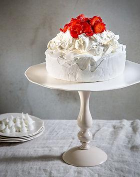 עוגת פובלובה לאירועים.jpg