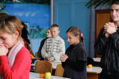 Teaching the children to Pray