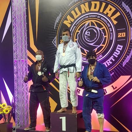 Atleta do Vizinhança é campeão mundial peso pesado de Jiu-Jitsu