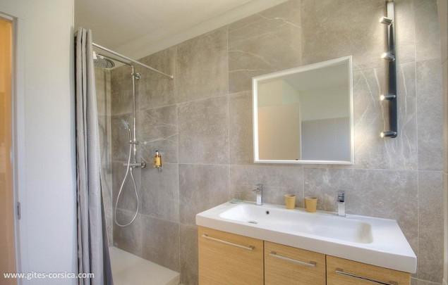 Chambre Chrysalis : salle de bain