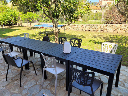 a Extérieur : terrasse jardin